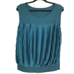LOFT Pleated Top Size Medium